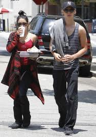Photos : Vanessa Hudgens et Austin Butler : qu&#8217;est-ce qui arrive au jeune couple ?